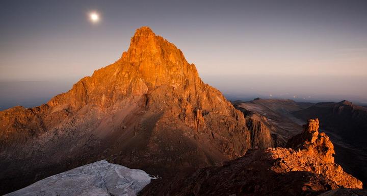 Гора Кения