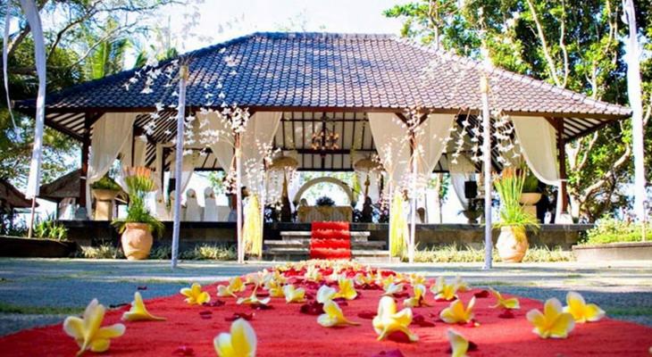 Свадебная церемония на Бали в Денпасаре