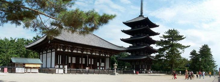 Буддийский храм Kofuku-ji, Нара, Япония